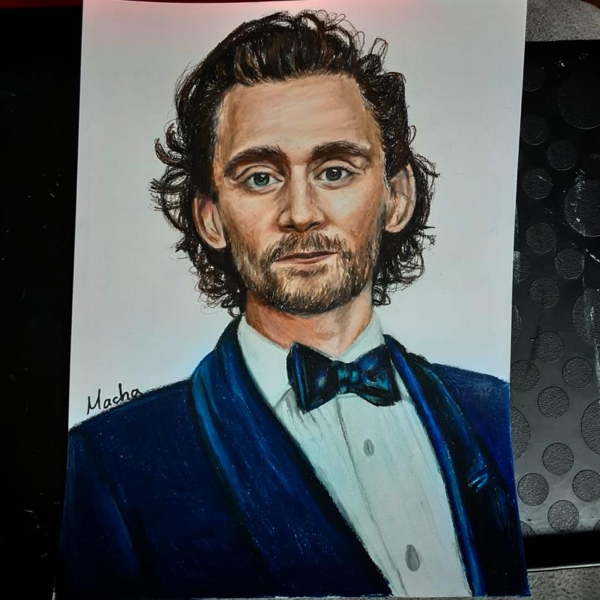 Tom Hiddleston by Macha